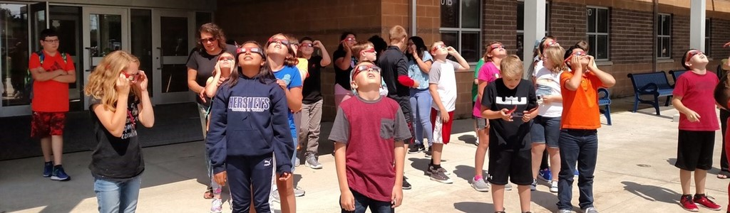 Eclipse viewing at MMS